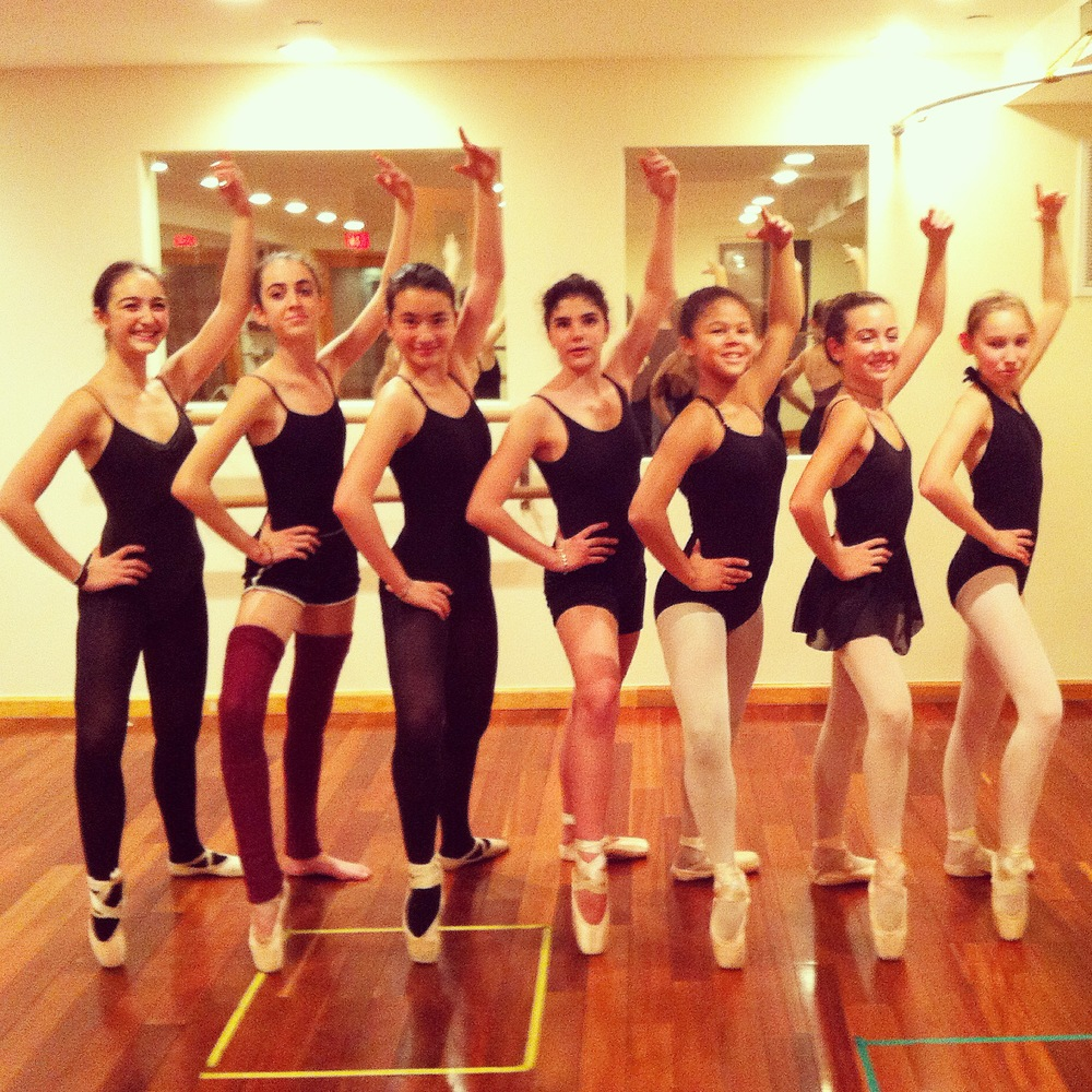 Rose (center) in Monday Pointe and Variations class.