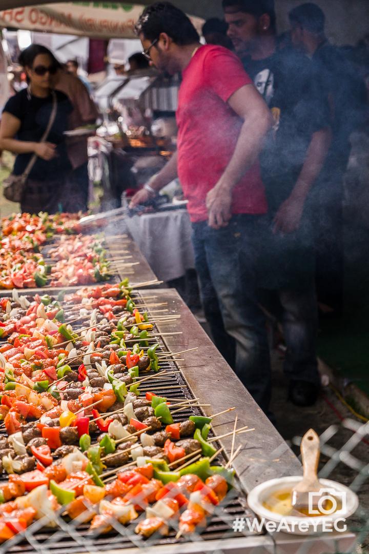 Kebabs stick together - convenient! :)