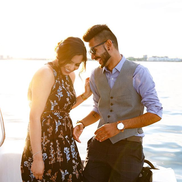 Stay cool this weekend, everyone! And keep it easy-breezy. 😎 {From a recent lakeside proposal. Thanks to Anuraj for inviting me to come along and to the folks at Heritage Coast Charters for the smooth and fun ride!)
