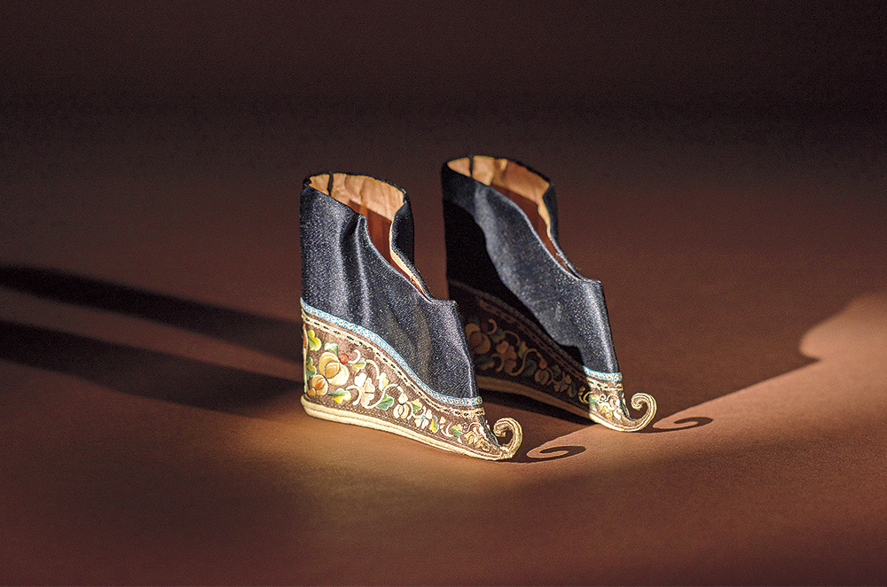 Embroidered-silk-shoes