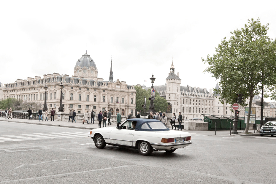 AZULIE_YOGI_TRAVEL_GUIDE_PARIS_ROAD_TRIP.jpg