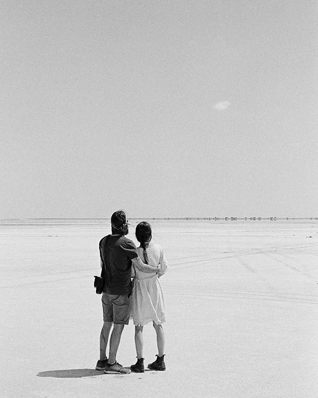 @hazy_island shared a photo from Makgadikgadi which also got me back to this memory of him and @twannafly watching the only cloud we met in Botswana that day.  #leica #kodakfilm