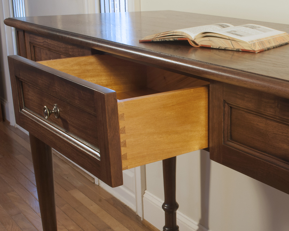 Tradional-Stand-Up-Desk-Dovetail.jpg