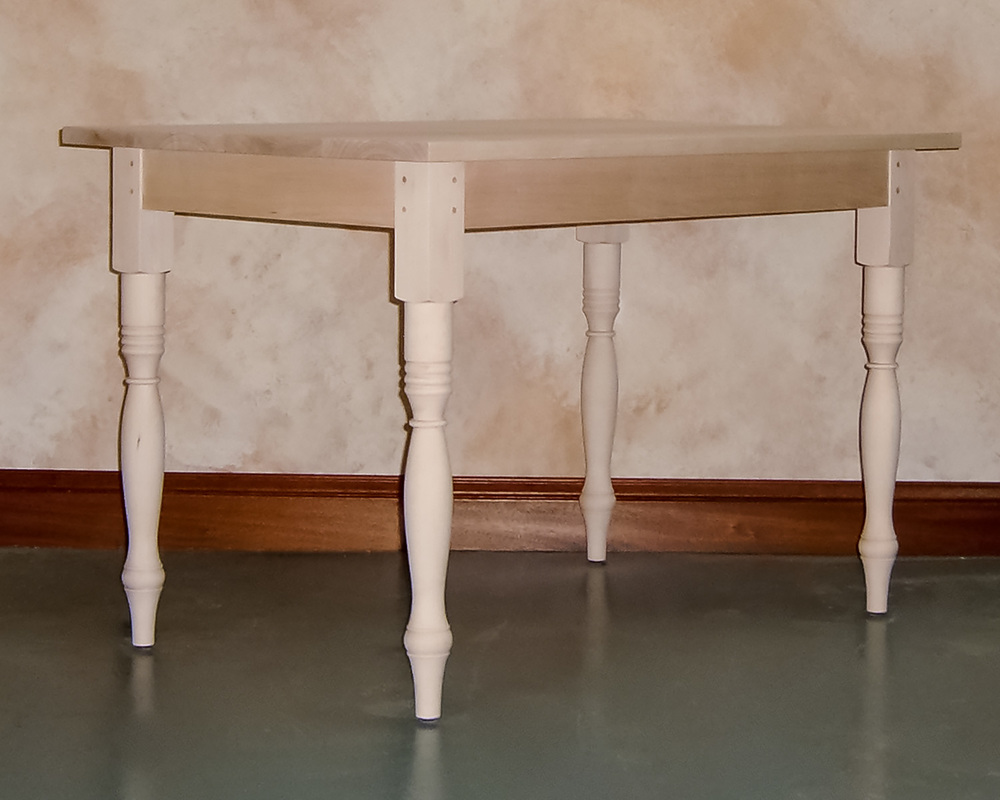 Small-turned-leg-kitchen-table.jpg