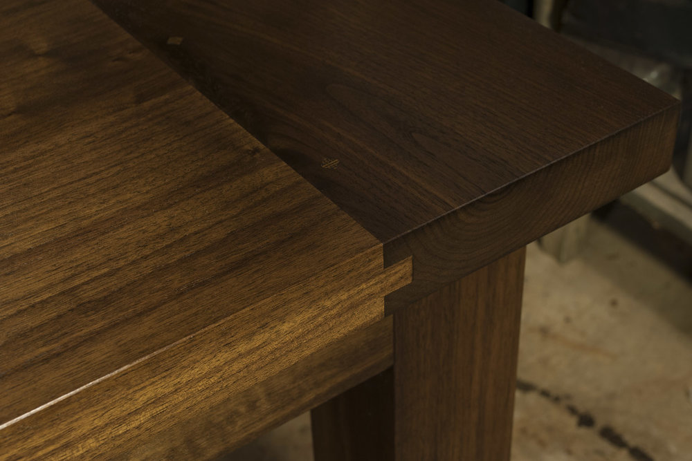 Contemporary-Walnut-Dining-Table-detail-Breadboard-web.jpg