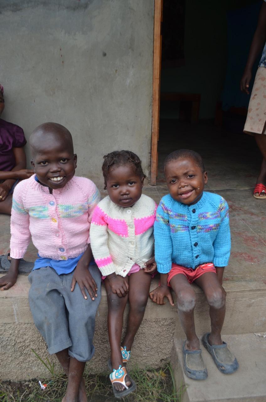 Kely (8), Ednica (5), Jameson (6)