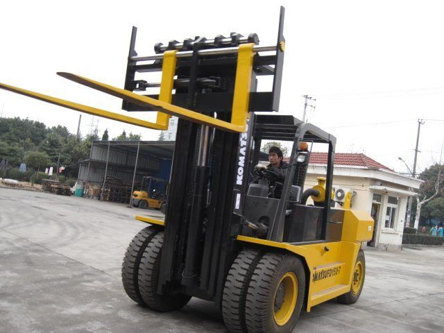 36,000 LB Cushion Tire Forklifts — First Vanguard Rentals