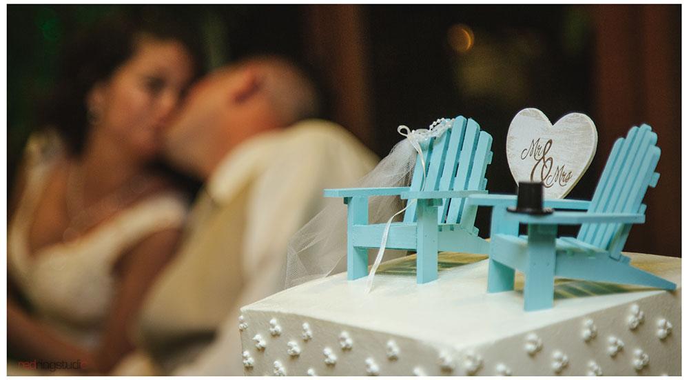 Cake-Kiss.jpg