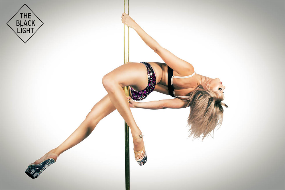 The Black Light - Sydney Pole Amanda 2959 SMALL.jpg