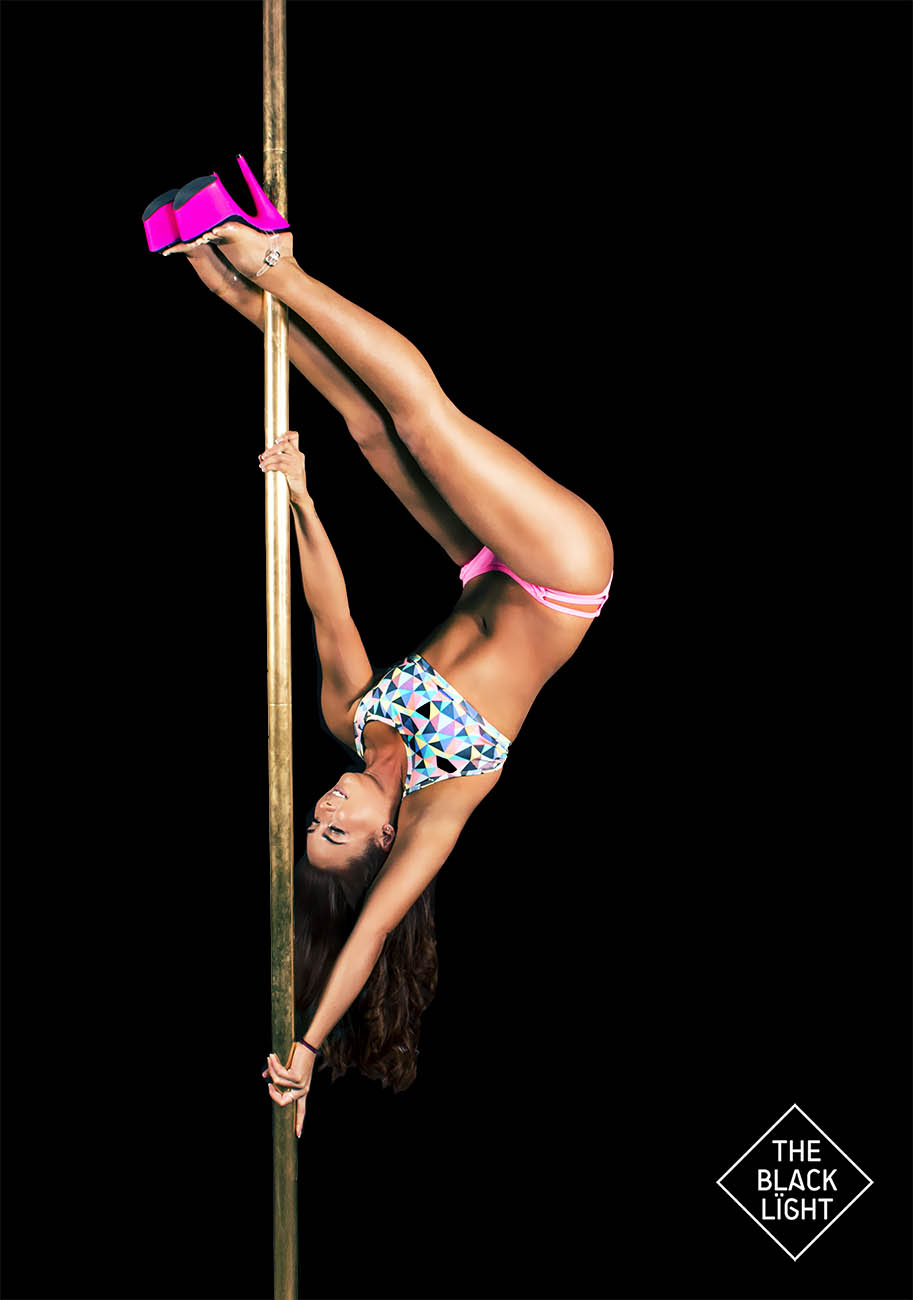 The Black Light - Sydney Pole Cazara 3171 SMALL.jpg
