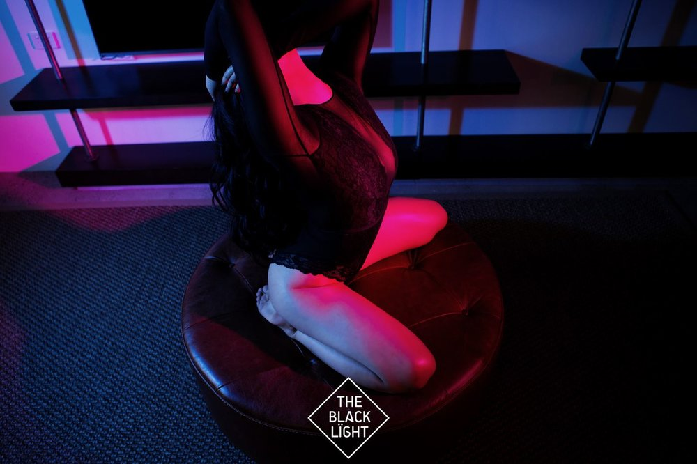 The Black Light - JIA LOREN - AF5T0698 small  .jpg
