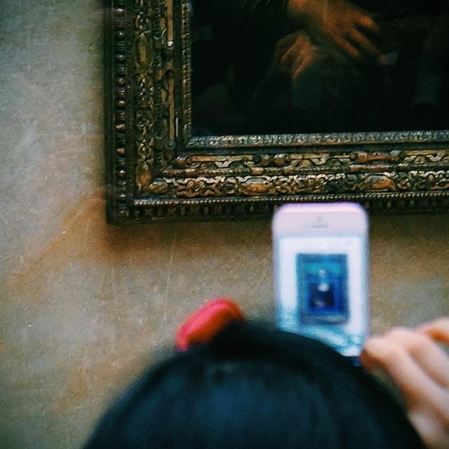 """Say """"cheese"""", Mona! #portrait #monalisa #fineart #louvre #paris #vscocam C1"""