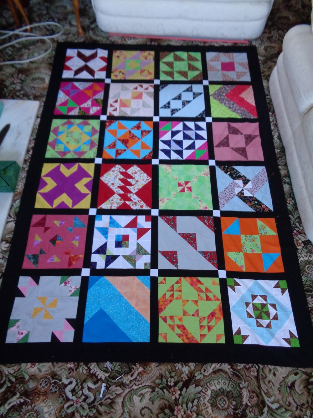 Margaret's Blossom Hearts quilt from Week 7
