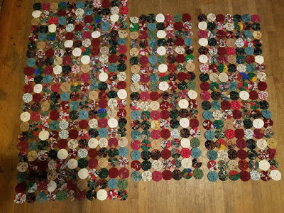 Marsha's yo-yo valences and table runner from Week 41