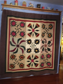 Karrin Days Past from Christmas or Not book by Gerry Kimmel, Linda Brannock and Jan Patek quilted by Bonnie Hunter.JPG