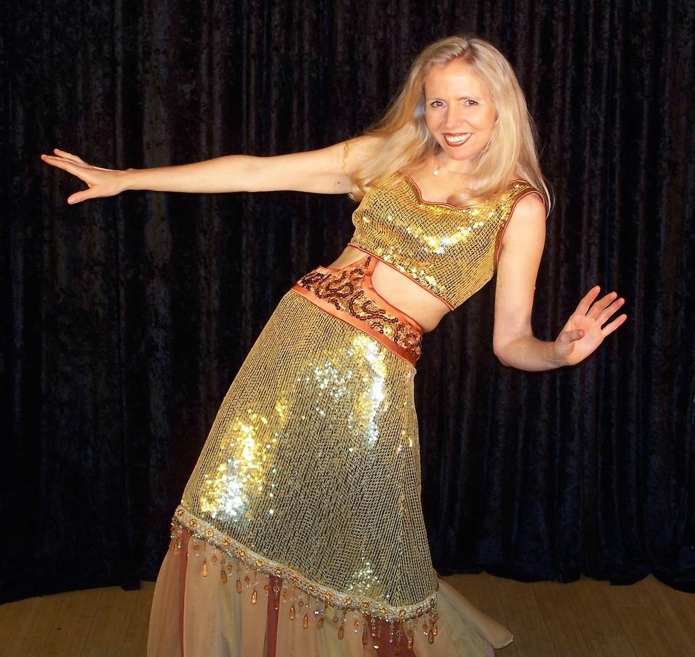 Heather_Rogers_Magician_Speaker_Consultant_Comedian.JPG
