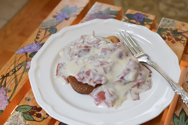 Creamed Chipped Dried Beef - ButterYum