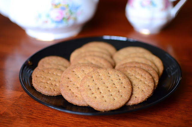 Homemade Digestive Biscuits - ButterYum