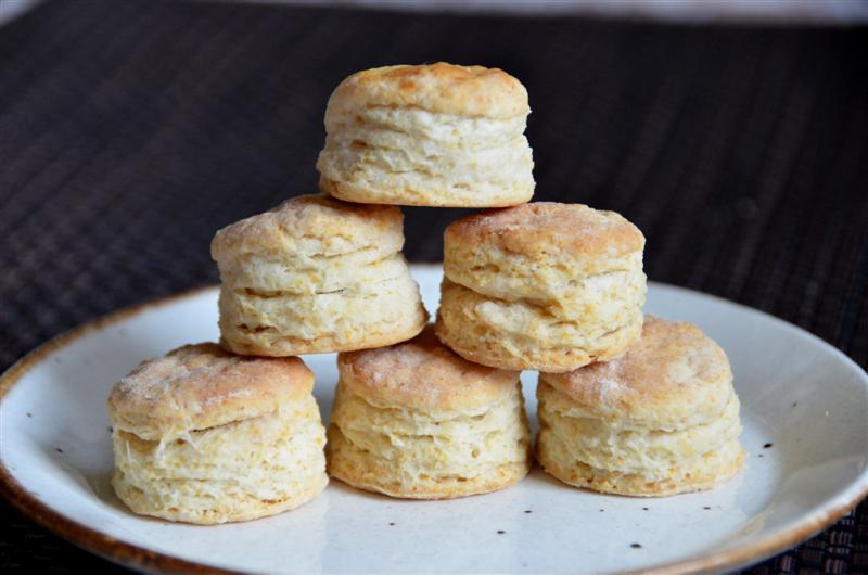 Flaky buttermilk biscuits - butteryum.  how to make the tallest, fakiest, buttermilk biscuits.  flaky southern biscuit recipe.