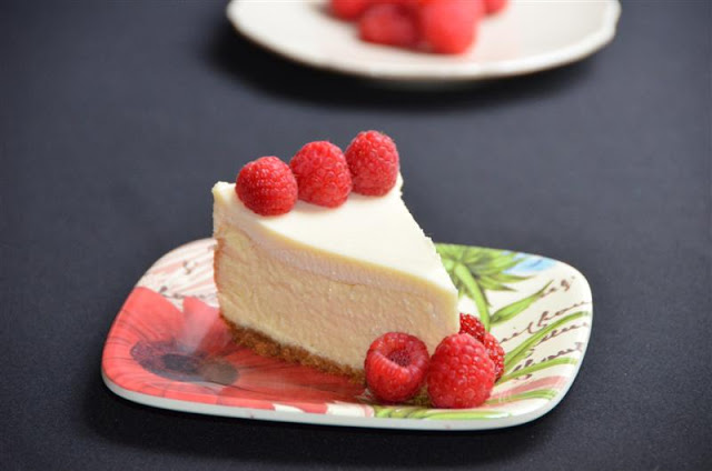 NYTimes Vanilla Cheesecake - ButterYum.  how to make really good cheesecake.  the best New York style cheesecake recipe.  no water bath cheesecake recipe.  how to make cheesecake without a water bath.