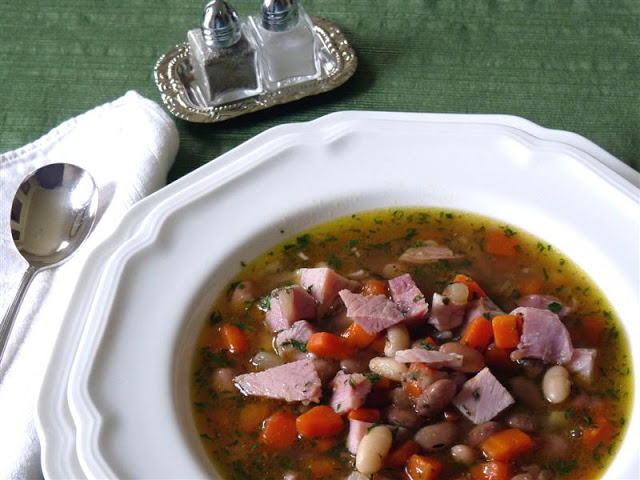 ham and bean soup - ButterYum.  how to make bean soup with leftover ham bone.  how to use a ham bone to make soup.  making soup with leftover ham.