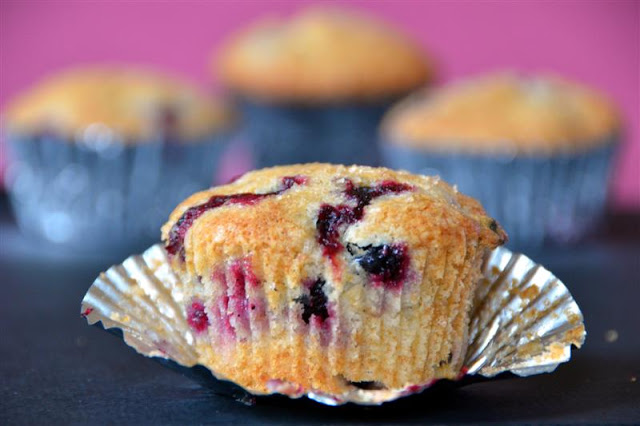 Best ever blueberry muffins - butteryum.  how to make blueberry muffins from scratch.  blue ribbon blueberry muffin recipe.