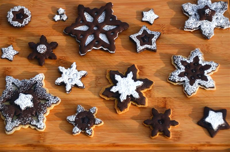 Two-tone Ganache-Filled Snowflake Cookies - ButterYum