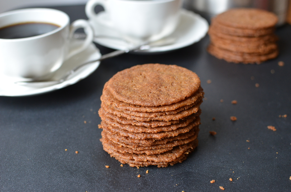 Well, there you go. Overall, Ilike theseCoffee Almond Crisps much better than last week's Ischler Cookies.