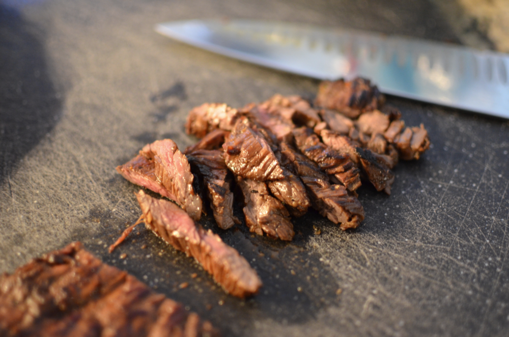 simple skirt steak, flap steak, hanger steak recipe.  how to grill skirt steak, flap steak, hanger steak.  marinated skirt steak, flap steak, or hanger steak recipe with photos.  how to cook skirt steak, flap steak, or hanger steak.