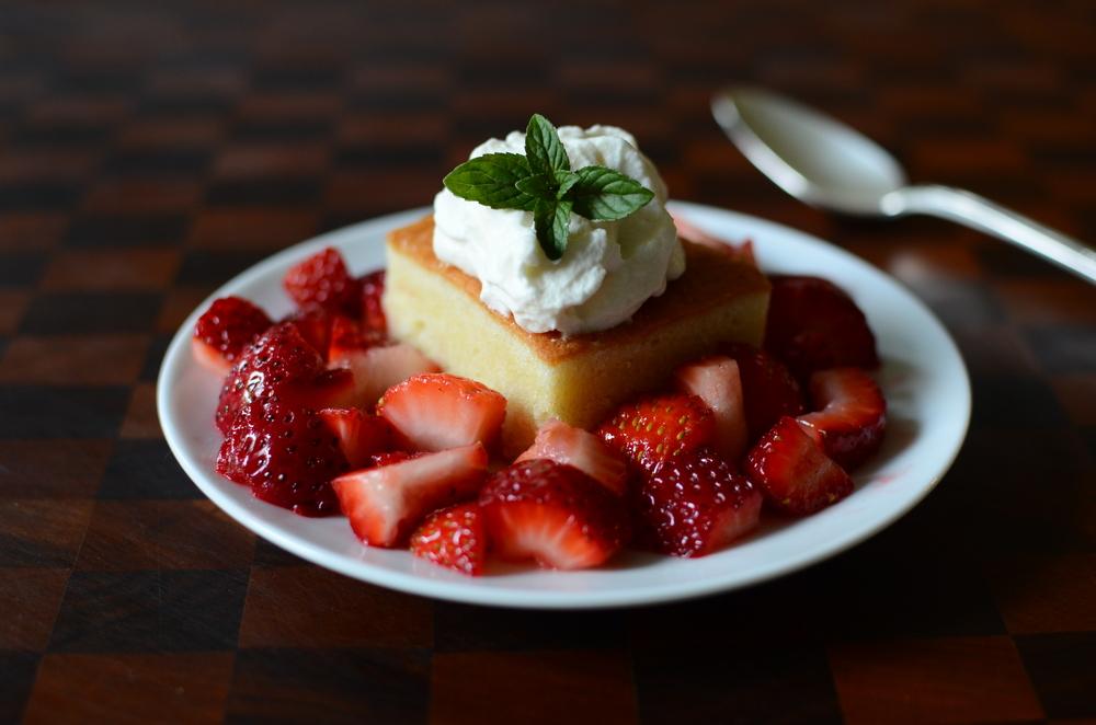 Hot Milk Cake - ButterYum. old fashioned cake recipe. how to make hot milk cake. hot milk cake recipe. strawberry cake. old fashioned strawberry cake recipe.