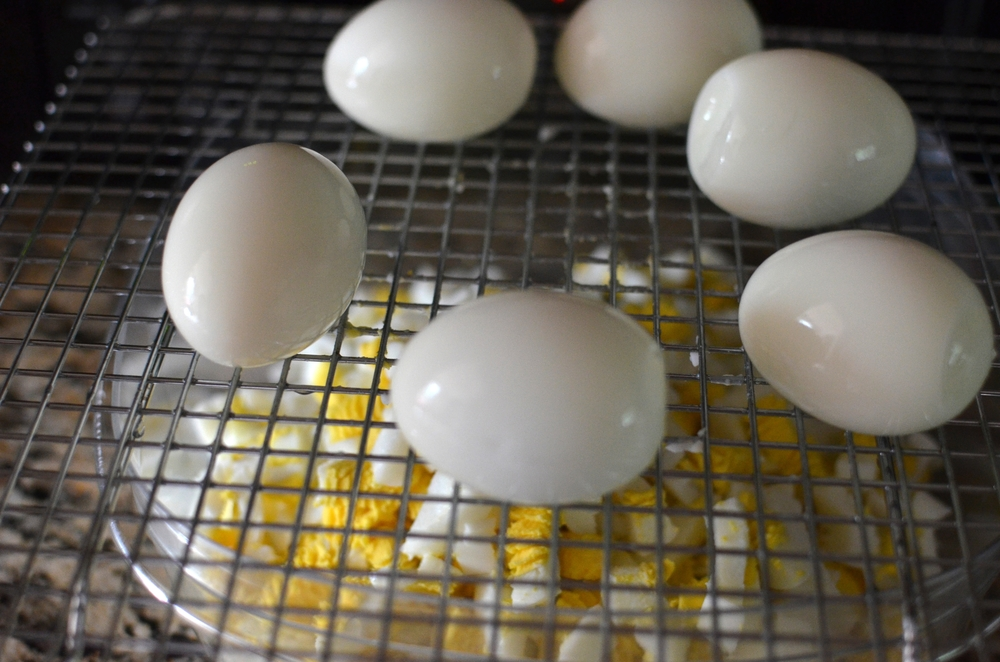 Kitchen Hack:  Chopping Hard-Cooked Eggs