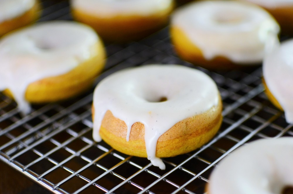 Mini Pumpkin Spice Donuts with Vanilla Bean Glaze - ButterYum