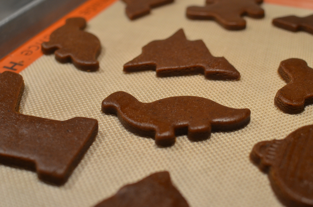This gingerbread cookie dough is a dream to work with - recipe and how to photos - ButterYum