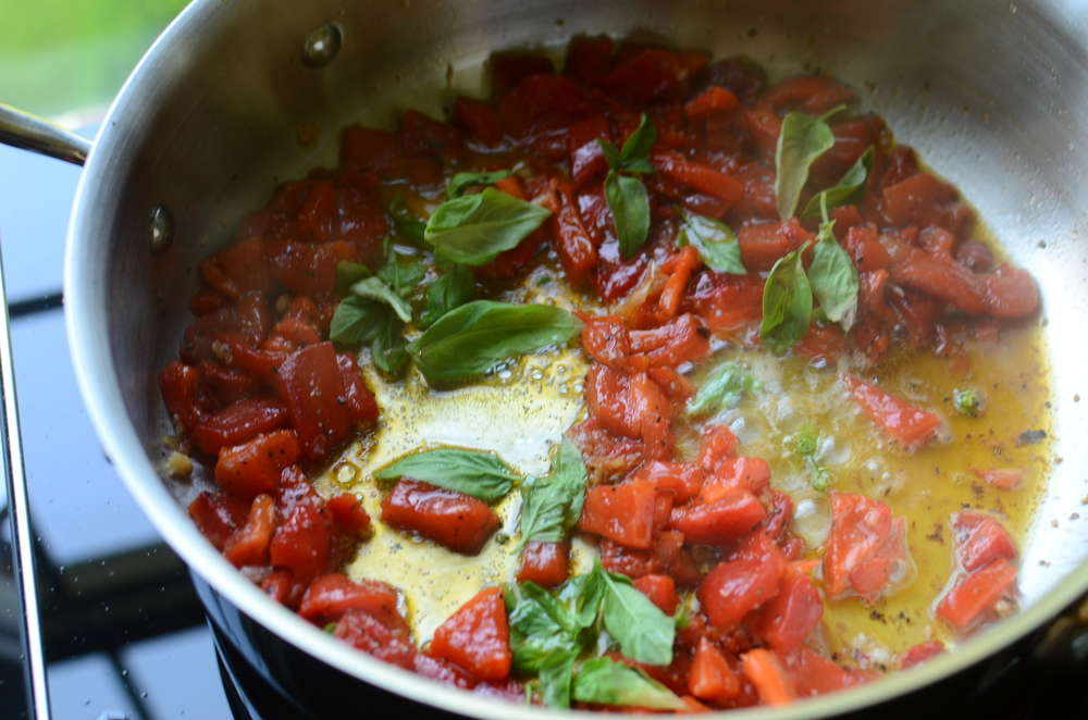how to make roasted red pepper sauce