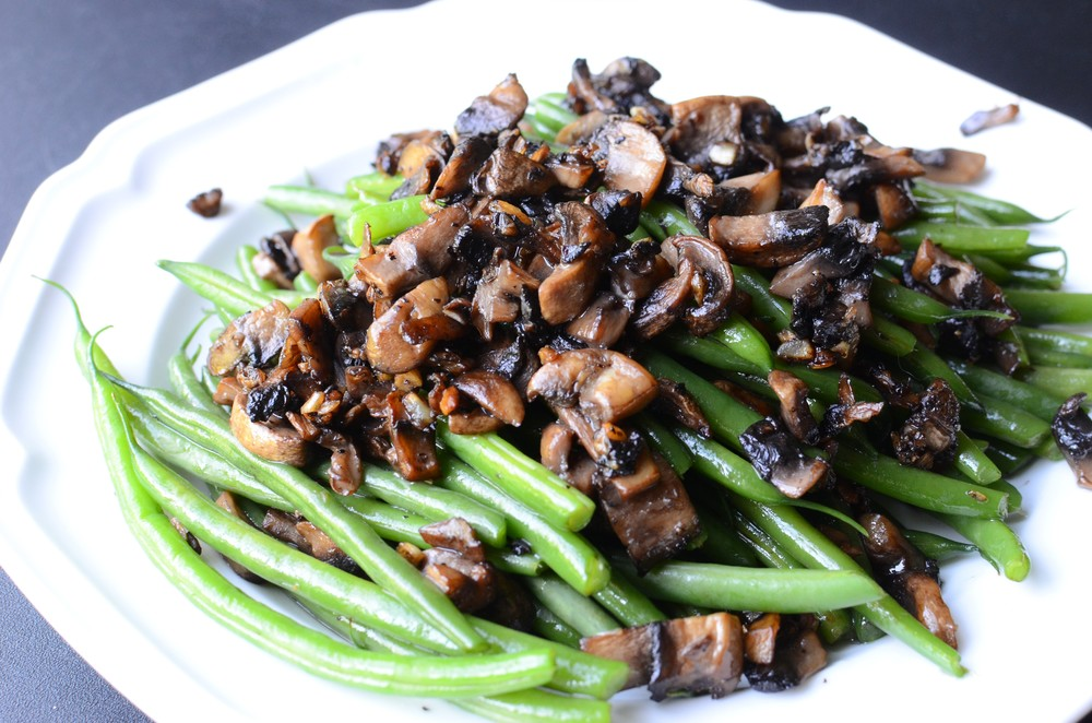 Green Beans with Garlic Mushrooms - ButterYum