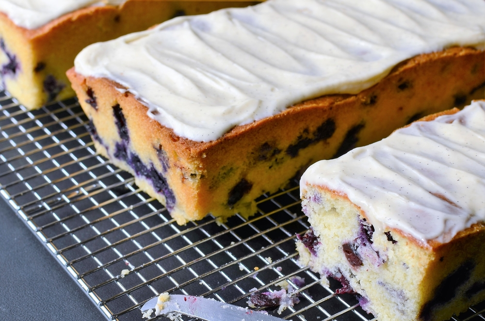 Lemon Blueberry Cake Recipe.  Lemon Blueberry Bundt Cake Recipe.  Lemon Blueberry Bread with Vanilla Bean Cream Cheese Icing