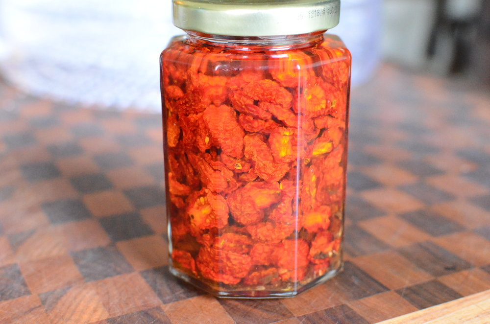 DIY Sun-Dried Tutorial, how to make sun-dried tomatoes with step by step photos, dehydrated tomatoes with how-to photos