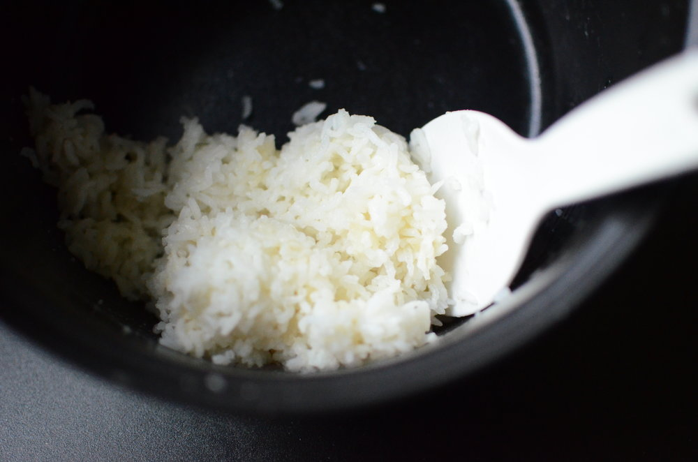 how to make onigiri, japanese rice balls - how to photos