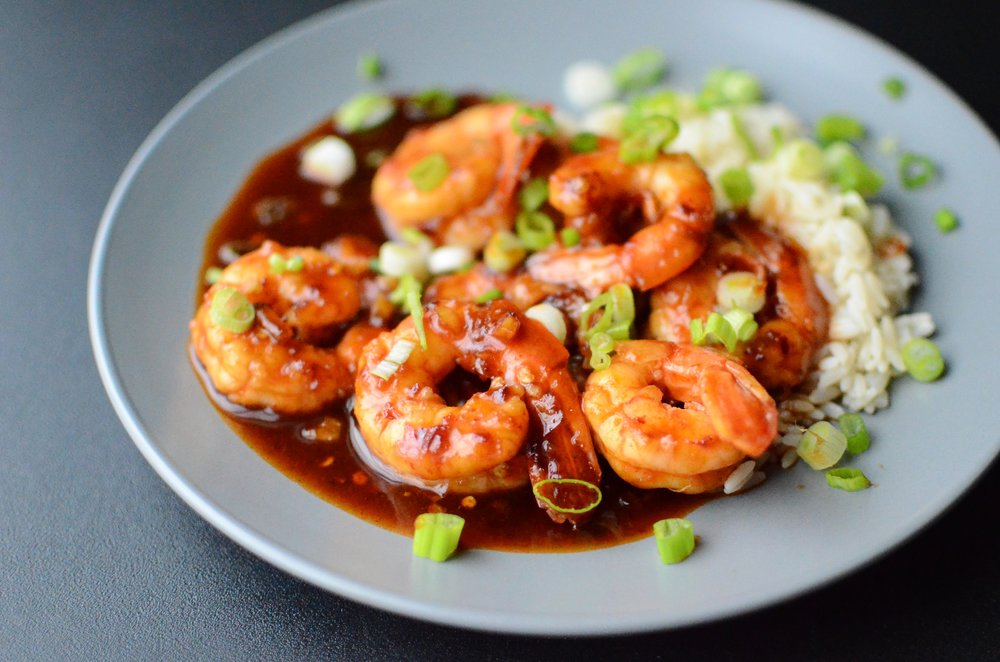 Sweet and Spicy Garlic Shrimp - ButterYum. recipe for spicy shrimp. easy weeknight shrimp recipe.
