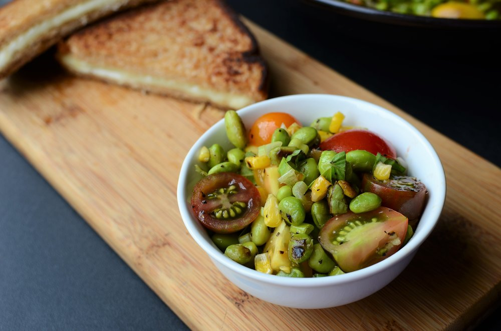 how to make edamame summer salad with corn, tomatoes, and basil - ButterYum
