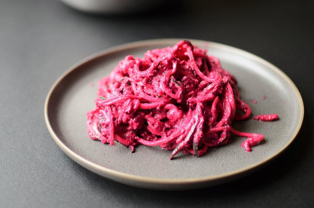 Zoodles with Beet Pesto - ButterYum. beet pesto recipe. garlicky beet pesto. pink pesto recipe. zucchini noodles with beet pesto recipe.