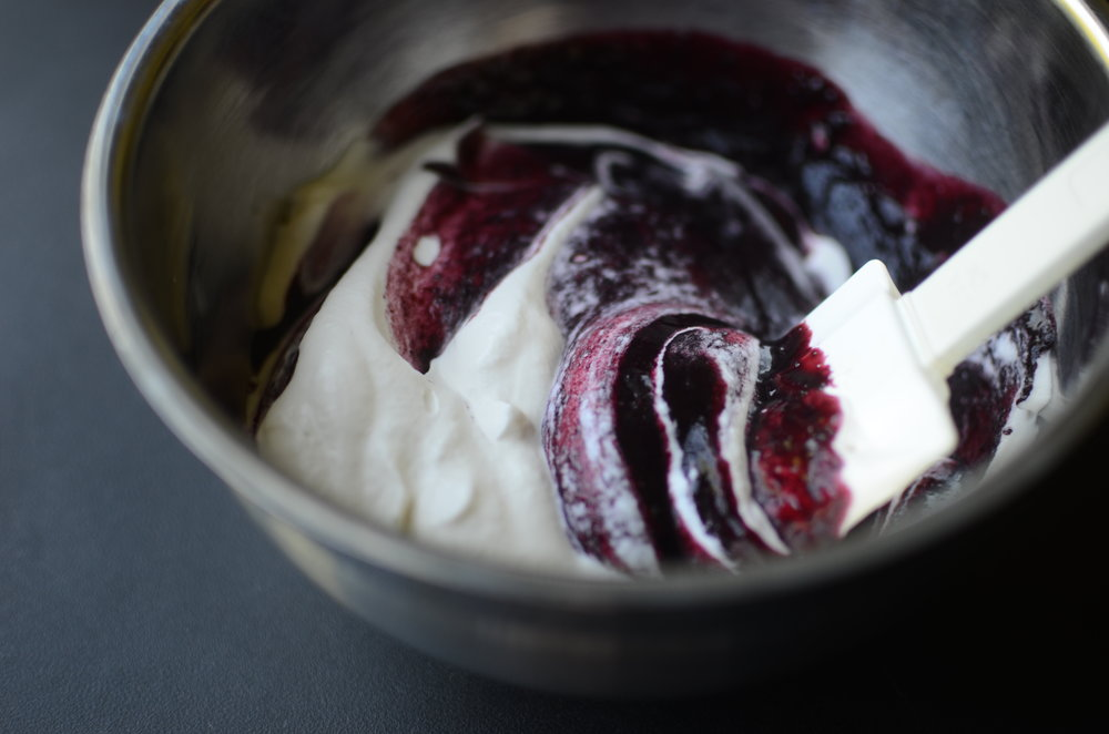 blackberry fool recipe. how to make blackberry fool. what to do with fresh blackberries.