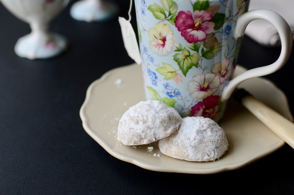Snowball Cookies (aka Russian Tea Cakes or Mexican Wedding Cookies) - ButterYum —