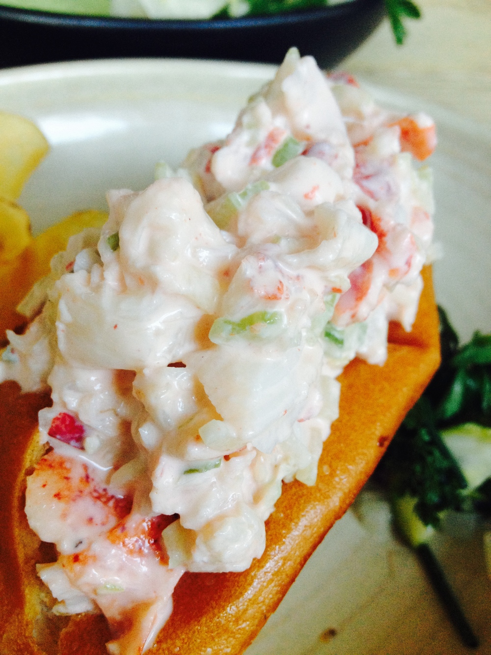1 lb Lobster roll, parker house bun, house salt, and vinegar chips