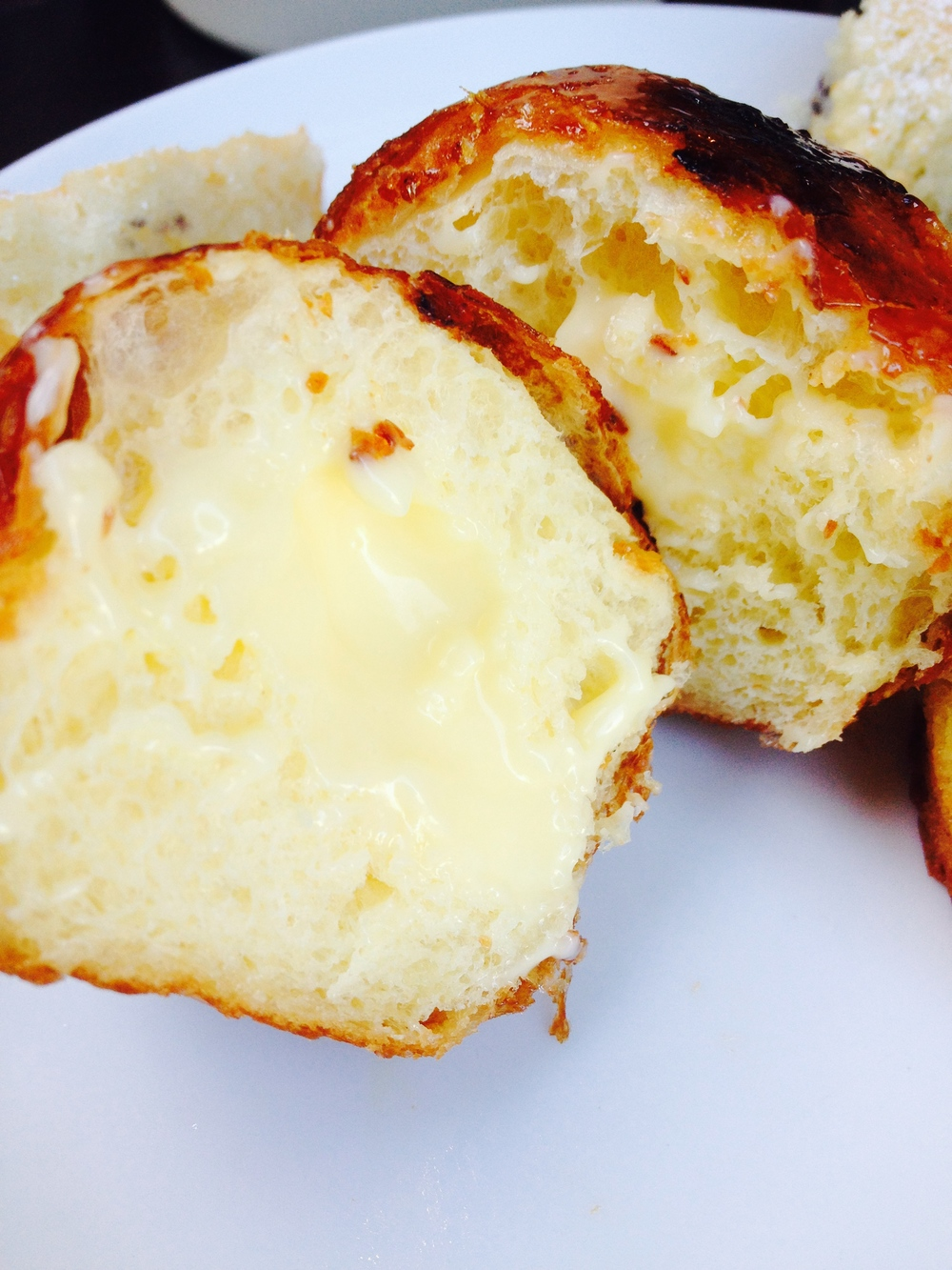 Inside view of the amazing custard-filled crème   brûlée bombolini