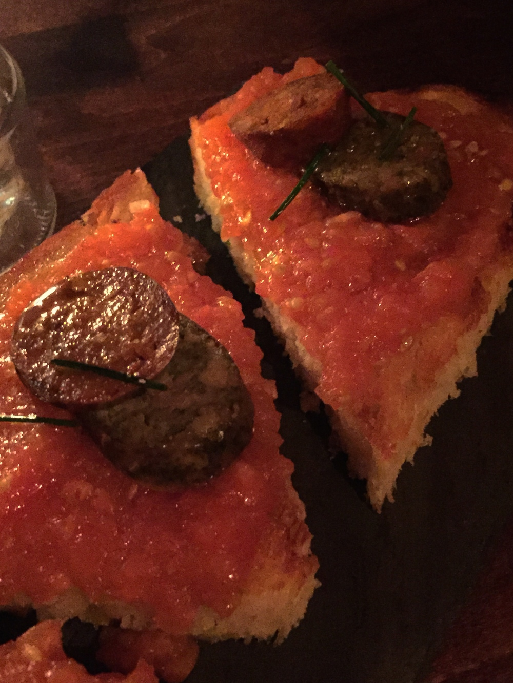 PA AMB TOMACA I LLANGONISSES - catalan tomato toast with house-made red and white sausages