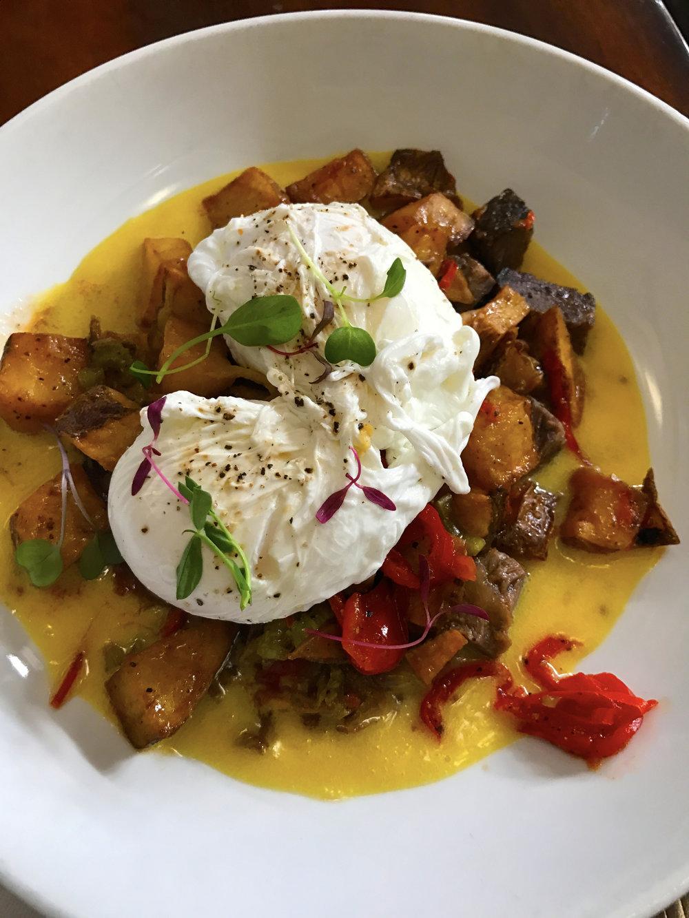 Smoked short rib hash, poached eggs, roaster potatoes and mustard hollandaise