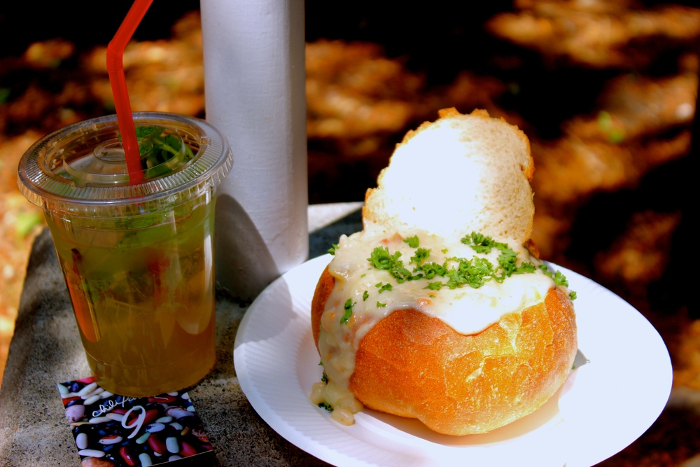 Clamchawder in bread bowl  and home-made mojito