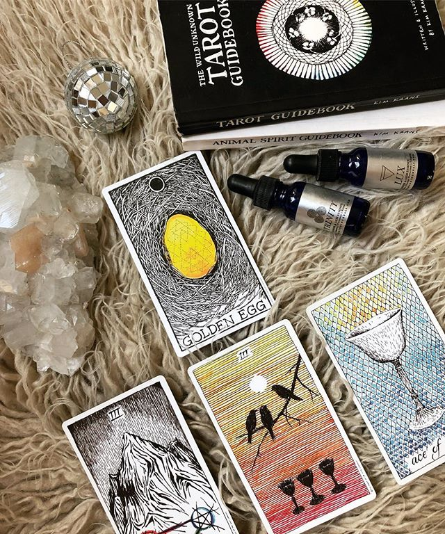 Tomorrow from 4-7pm come celebrate the holidays with us at Eldorado with cookies, wine and tarot. 🍷🍪🔮 🙌🏽 We'll be hosting the last Tarot Thursday of 2018 with @texturesbynefertiti and we're doing it big (walk-ins welcome or dm to reserve a spot / half hour readings are $45). We're having a cookie exchange and will have lots of wine to share. Looking for a good gift for the consciously tuned in human in your life? 10% off crystals and tarot during our holiday happy hour. Can't wait to connect with you.