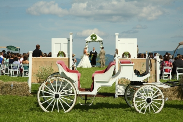 Fairmont Ceremony with Carriage